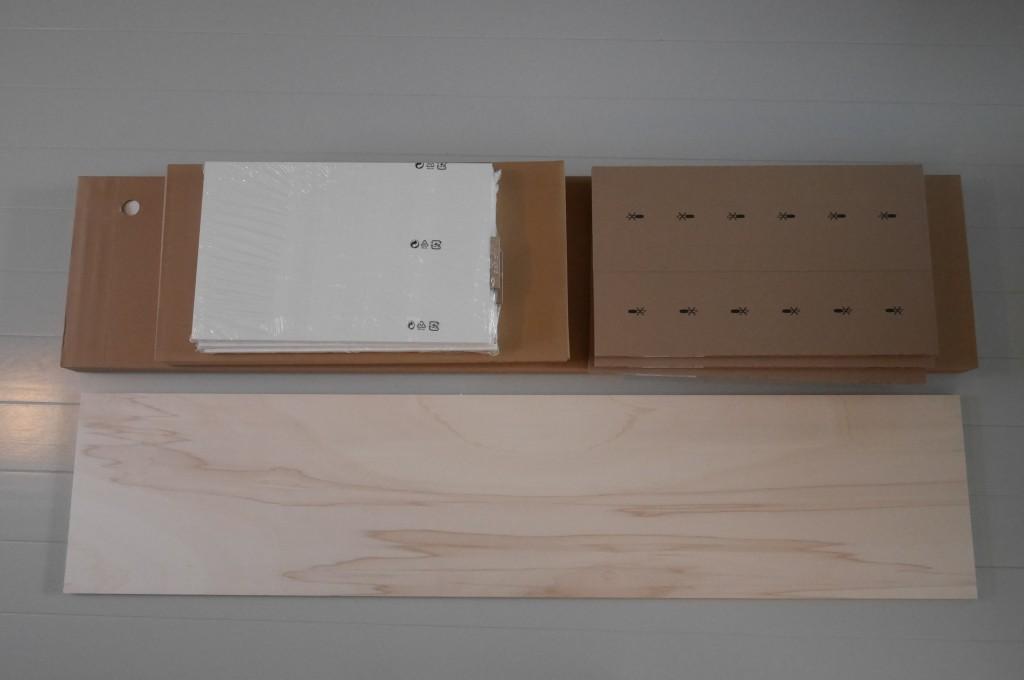 ikea besta tv-meubel met houten plank